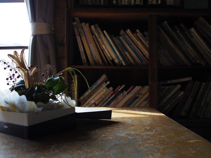 本屋さんで運命的に出会った本、お気に入りの作家さんのシリーズ、勉強や趣味のために買い集めた本……どんどん増えていく本のコレクション。せっかくですから、読まないときも本棚にきちんと収めて、背表紙を眺めて楽しみたいですね。