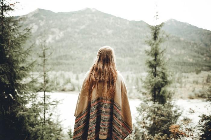 森の癒し効果を最大限に得ることのできる森林浴。自然の森の中で聞こえてくる音や香りを楽しみながら、ゆっくりと森の中を散策すれば、疲れていた心と体が元気になりそうです。
