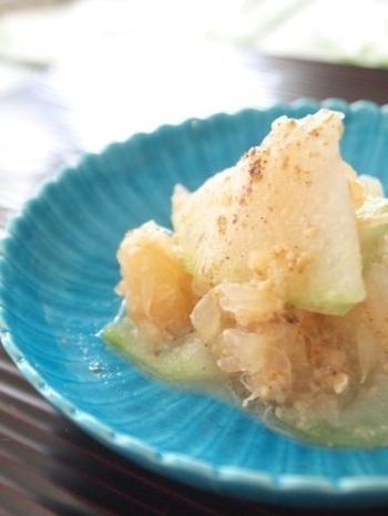 冬瓜とグレープフルーツに花椒がいい感じにスパイスになり、味に奥行きを与えてくれています。さっぱりといただけるレシピです。