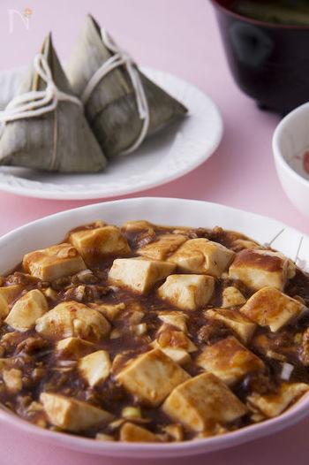 ひき肉の代わりに刻んだ高野豆腐を使ったレシピです。高野豆腐のパサパサ感が気になるという方も、とろみのある餡と一緒なら美味しくいただけますよ。食べ応えのあるしっかりとした味わいなので、男性にも満足してもらえるのでは?
