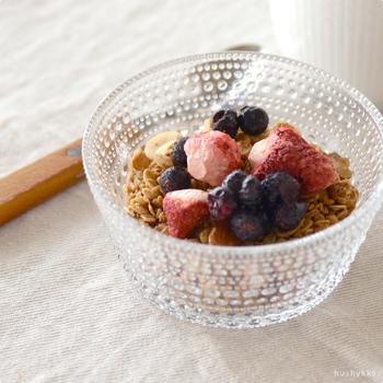 そのままでももちろん、シリアルに混ぜて朝ごはんをちょっぴり贅沢にしてみるのも。フリーズドライの軽い食感が生きます。
