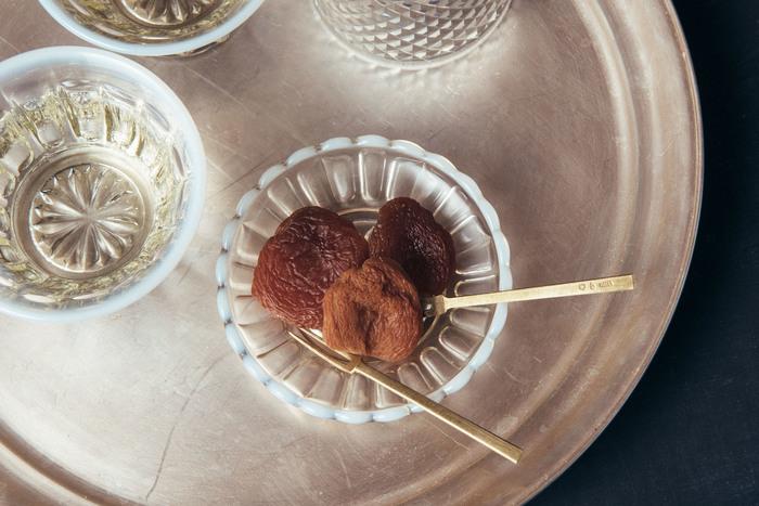 ドライフルーツと言えば、甘酸っぱいあんずを忘れてはいけません。長野県産のあんずを使用した、手作り干しあんず。お茶のお供やおやつにぴったり。