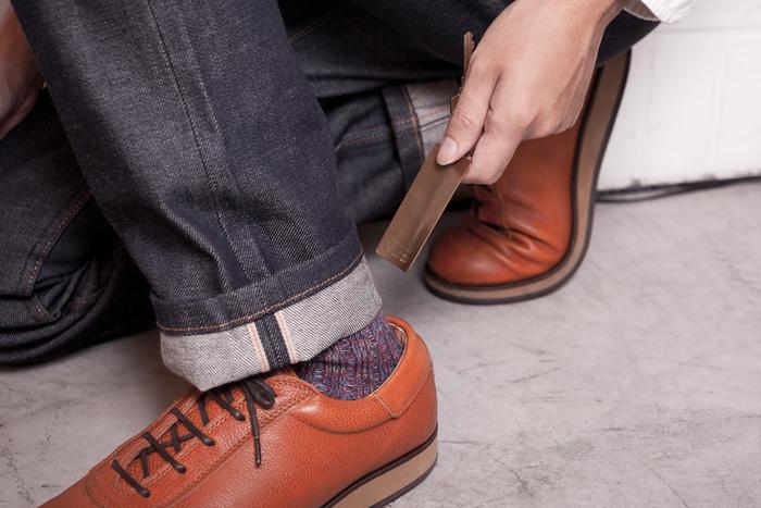 キーリングが付いたこちらの靴ベラは、スリムなので携帯することもできます。余計なものをそぎ落としたシンプルなデザインがスタイリッシュ。革靴を履く男性におすすめです。