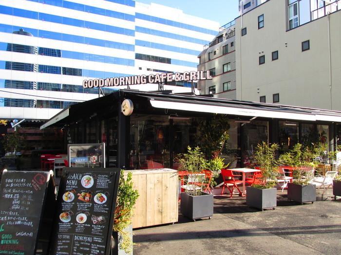 Good Morning Cafe&Grillは、虎ノ門ヒルズの近くにあるカフェです。ビルが立ち並ぶ中で、おしゃれで落ち着いた雰囲気を醸し出しています。
