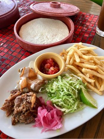 リーズナブルな価格で気軽にエスニック料理を楽しめるお店なので、土日は大人気のお店です。