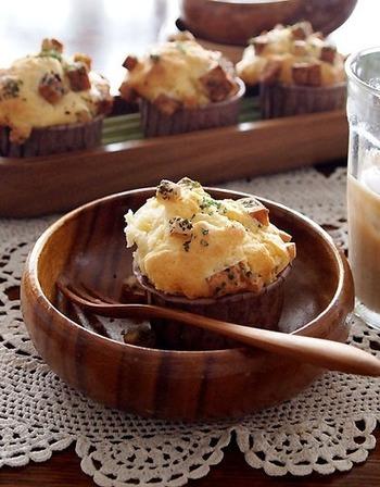 ランチョンミートはおしゃれなマフィンでも活躍!ブルーチーズとの相性も注目ポイントです。少し甘さのあるマフィン生地がランチョンミートの味わいをさらに引き立てています。朝ごはんやランチにいかがですか♪