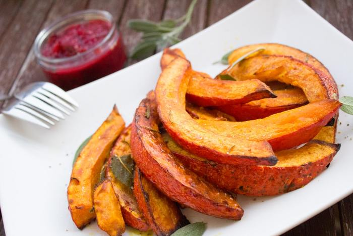 美味しそうなレシピがたくさんありましたね。野菜を温めると甘みが増して食べやすくなるので、野菜が苦手な方にもおすすめです。みなさんも好きな野菜を蒸したり焼いたりして、この寒い冬を元気に乗り切りましょう。