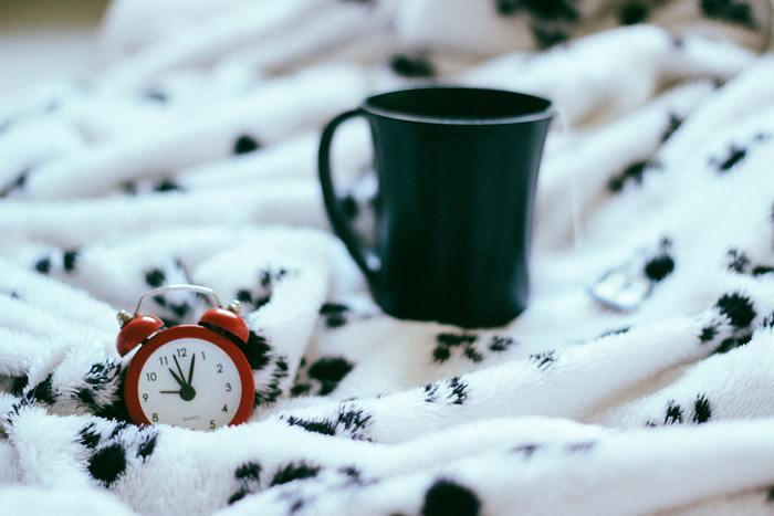 一気に片付けようと、眠る時間を削ってまで無理をすると、身体だけでなく心にも余裕がなくなってしまいます。その大変だった記憶が残り、次からの片付けまでも億劫になってしまうのです。まずは、ゆっくり少しずつ、着実に捨てられるものから・・・始めてみましょう。