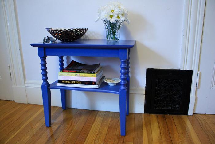 シンプルな家具は、世界中のDIY好きに人気!家具の色を自分好みに変えるだけでも、お部屋はガラリと変わります。お家のインテリアに合わせて、ペンキやスプレーで家具の色を変えてみてみませんか?