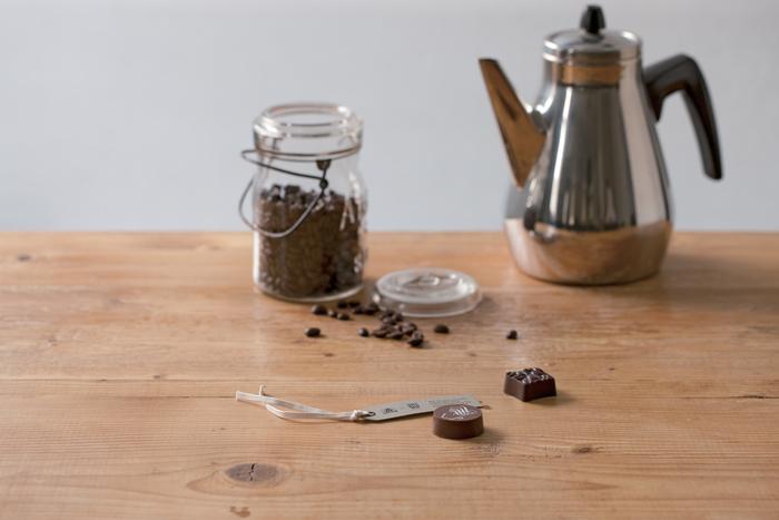 昨年も大変好評だったオニバスコーヒーとモロゾフのコラボ、コーヒーラボ。本当に美味しいコーヒーとチョコレートが出会うとこれほど奥深い味わいが醸し出されるのだということにあらためて気づかされます。