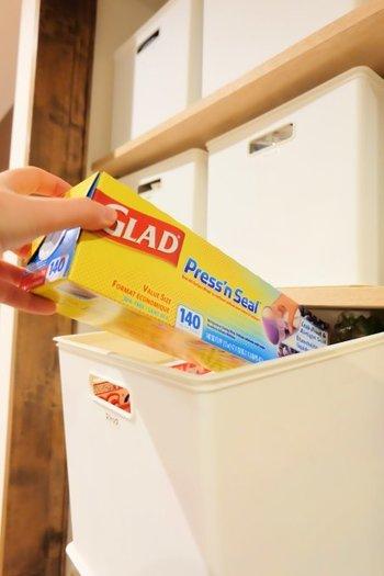 洗面所シンク下の扉の中や、クローゼットの中にポンポンと押し込むだけでは、在庫の管理は勿論、見た目もスッキリしないですよね…