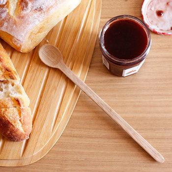 温もり感じる時間に。食卓をやさしく彩る『木のテーブルウェア』