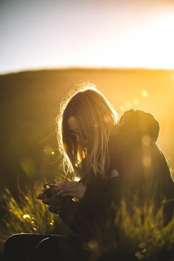 迷った時、必ず変化をもたらさなくてはならないのかというとそうではありません。自分がそこから逃げたいだけかもしれないからです。でも、そこを踏みとどまって頑張った先に見えてくるものは、今の想像をはるかに超えるもののはずです。