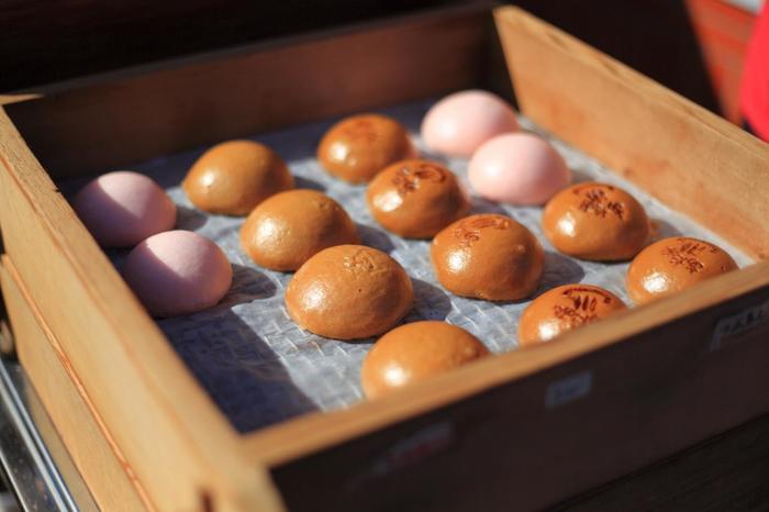 「梅園まつり」開催時は、園内で、熱海の美味しい甘味も販売されています。「梅園まつり」の詳細は以下のサイトへ。