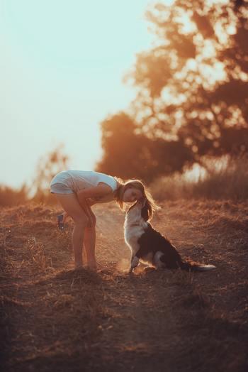 気のおけない相棒がいたら、一緒にお散歩するのも良いですね。「今日は寒いね、鳥が鳴いてるね、今度のお休み何をする?」といった他愛ない会話の中で、よし、今日も乗り切れる!と前向きな気持ちが沸いてきます。
