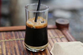 ベトナムコーヒーは、自宅で楽しむも良し。喫茶店や、ベトナム料理店などでも楽しむことができます。