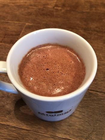 チョコレートにこだわったお店だから、もちろんホットチョコレートも大人気!まったり濃厚なチョコレートの風味がたまりません。