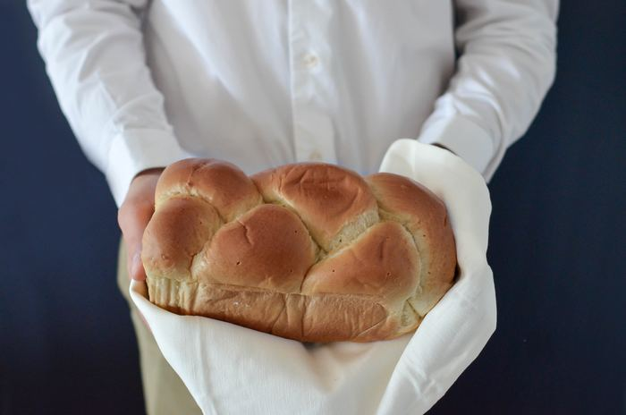 ふんわりもっちり味わいの深い、噛むほどに美味しい天然酵母パン。 中央線に乗って、美味しい天然酵母のパンを買いに行きませんか?