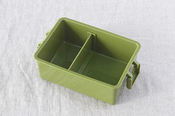 プラスチック製のお弁当箱は、電子レンジで使用でるのが最大の特徴です。電子レンジが置いてある職場で冬場に特に重宝してくれます。また食洗機の使用も可能で、密閉できるものも多いので、汁漏れの心配が少なく、使い勝手が良いものが多く揃っています。