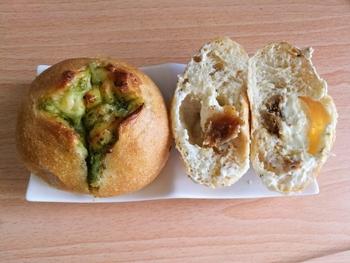 惣菜パンも充実しています。お昼時にもうれしいパンが揃いますよ。