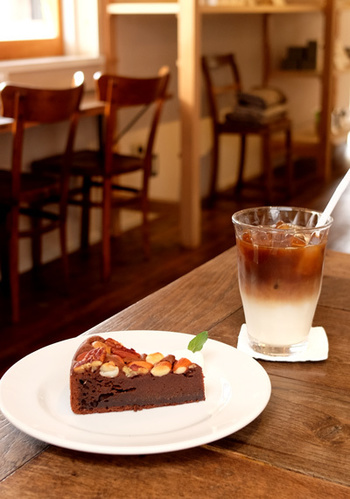 知らないスポットで美味しいカフェを見つけるにはどうすれば良いのか悩んだことはありませんか?最近は知らない街へ出かけるとき、インスタグラムのハッシュタグで「#●●カフェ(例:東京カフェ)」と検索して立ち寄りたいお店を見つけることが多くあります。そんな風にしてインスタグラムで「#千葉カフェ」で検索したら、素敵なお店がたくさんみつかりました。
