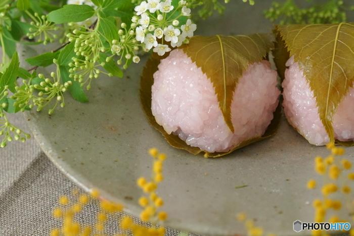 桜色と緑の彩り。手作り和菓子*とお抹茶で「春のおうちお茶会」はいかが?