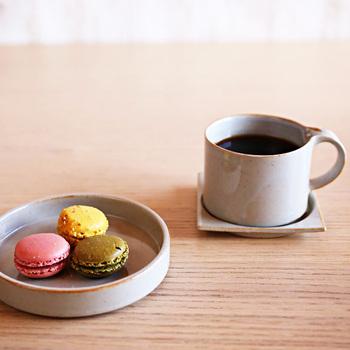 シンプルなものこそ、デザインの美しさが際立ちます。こちらは「セラミックジャパン」のモデラートシリーズ。