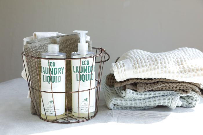柔軟剤なしでもふっくらとした洗いあがりなのに、油汚れはしっかりと落としてくれ、やわらかな仕上がりです。1回の使用量が少なく、環境への負荷も抑えられているところもうれしいポイントです。