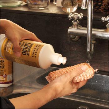 99%除菌のオーガニック洗剤で、高い除菌力でいつもお部屋をきれいに保ってくれます。オーガニックエッセンシャルオイルの優しく爽やかな香りが使うたびに心地よく香ります。