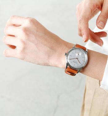 「City Legend40」は、全世界で888個しか作られていない限定モデルの腕時計です。時計の裏側にはロットナンバーが記載されており、特別感を強く感じられる点とシンプルなのに洗練されたデザインが魅力的。