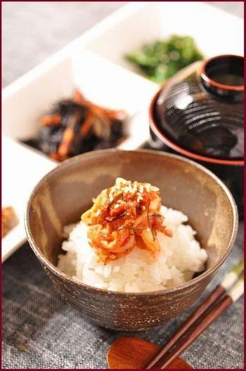 韓国と言えばキムチは定番のおそうざいですね。お店で手軽に買うことができますが、オモニの味わいを目指して手作りキムチに挑戦してみるのもおすすめ♪イカの塩辛やナンプラーなどのポイント素材を揃えれば、後は身近な食材で作ることができるでしょう。