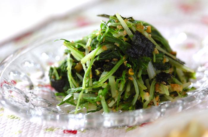 こちらは水菜のナムルレシピですが、韓国のりを入れているところがポイント!韓国のりの存在感がバッチリ効いていて、ご飯のおいしいお供になりそうですね。