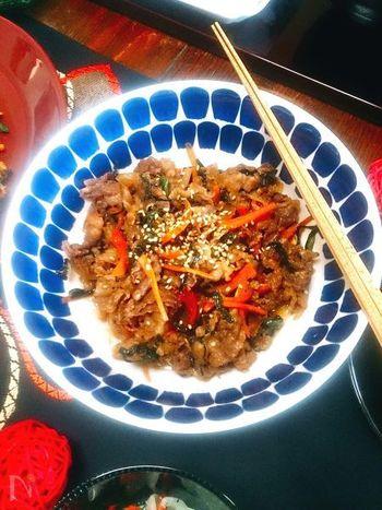 韓国の焼肉料理プルコギもフライパンで簡単に作れちゃいます♪家にある材料で作れるところも経済的で良いですね。お弁当のおかずにすれば、オモニ風のほっこり韓国ランチに♪