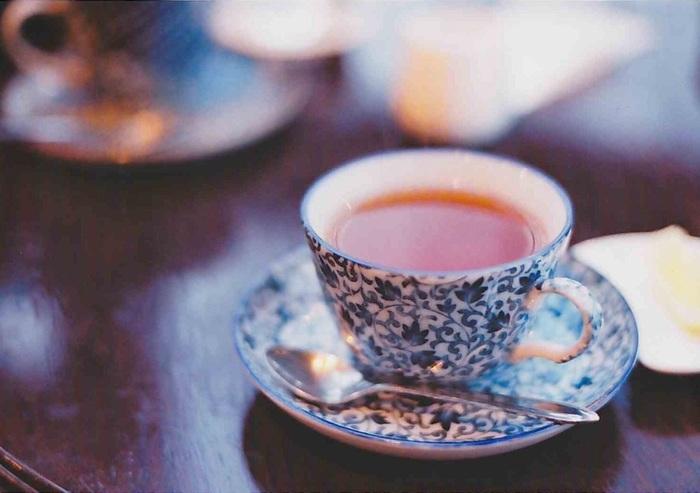2月14日はバレンタインデー。男性陣の中には、心のこもったチョコレートを頂いた方も居るのではないでしょうか。 お返しには何を贈ろう…そう思っている方にお薦めなのがお洒落な紅茶です。