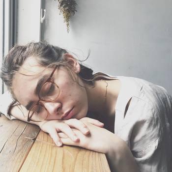 パジャマに着替えるという行動によって、身体は睡眠モードに。毎日習慣化することで、自然と睡眠のスイッチが入り、眠りにつきやすくなっていくんだそう。