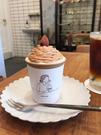 美味しいコーヒーが飲める「BRICK LANE」は、季節ごとの変わるカップケーキが話題です。モンブランの他には苺やメロン、桃などもありました。クロックムッシュやラタトゥイユトーストなどメニューも◎