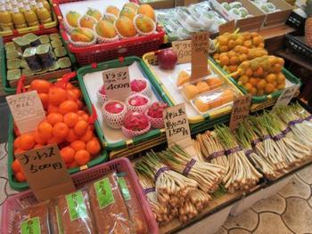 島豆腐、アーサ、グルクン、アグーなど本土出身のひとには、あまり聞きなれない・食べなれない沖縄の食材ですが、最近ではアンテナショップやインターネットでも購入できるものも。