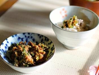 ネギとかつお節の風味豊かな味噌ふりかけ。濃厚で味もしっかりめなので、ふりかけは少量でOK◎出汁をとったかつお節は、捨てずにふりかけに再利用しましょう。