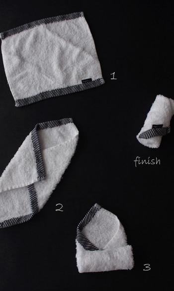 ハンカチやハンドタオルなどリネン類は4つ折りにすればかさばりにくいのですが、使いたいものが下のほうにあると取り出しにくく、触っているうちに乱れてしまうこともあります。