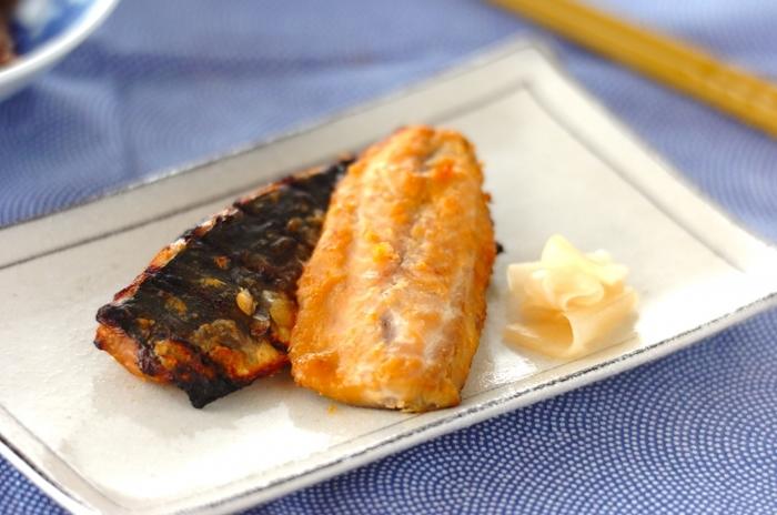 鮭と同じくスーパーで手軽に購入出来るアジのみそ焼き。調味料もみそ、酒、みりんとお家にあるもので作れて、漬け込み時間も短時間で済むので、お思い立ったらすぐ作れるのもポイントかも。