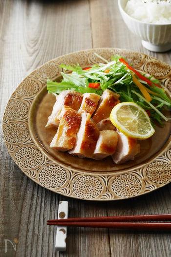 鶏のもも肉のみそ漬けもご飯がすすみそう。他に唐揚げにしたり、鶏肉ではなく魚で作っても◎。色々アレンジが効くので調味料の配合や作り方を覚えておくと、とっても便利。