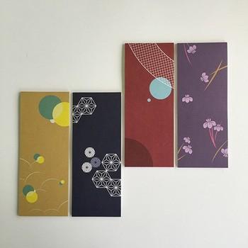 日本では四季に応じた振る舞いが礼儀の一つとして共有されています。季節を感じさせる旬の料理を出すことや、お茶会の着物の柄と季節を合わせることが趣深い心遣いに繋がります。一筆箋でも、季節を感じさせる絵柄が多いのはそうした日本ならではの伝統を守りたいという意識の表れかもしれません。  季節ごとのそれぞれの一筆箋は、普段会えない友人や遠くの親戚に季節の便りを運んでくれます。  今回は、手紙を書き始めるときにいつも迷ってしまう方に見ていただきたい、それぞれの季節に合った書き出しの挨拶文を考えてみました。