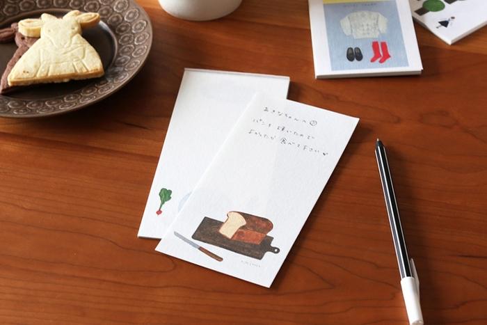 季節を選ばない絵柄は、メモやミニレターとしても使えそう。友達に送るプチガトーに添えるなど、使い道は色々。