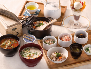 300年以上も続く伝統的な出汁の旨味を活かした定番料理から、新たな出汁の魅力を発見できる新スタイルまで、日本古来の美味しさをとことん味わえます。