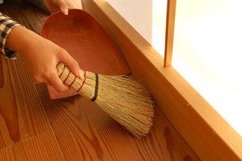 全長21㎝の小ぶりなデザイン。テーブルや家具の上などサッとお掃除したいときにぴったりです。