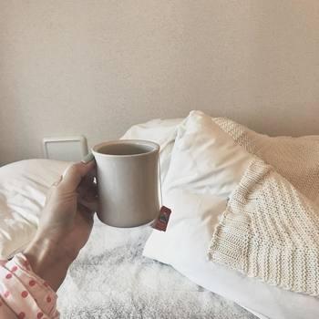 お肌のゴールデンタイムといわれている夜10時~深夜2時の間に眠りにつくことで、お肌のターンオーバーが促進。花粉で弱った皮膚の生まれ変わりを促します。