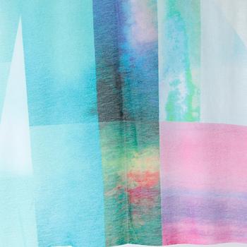 柔らかな中にも落ち着きのあるグレイッシュトーンで統一したファッションは、女性らしさ漂う上品な春コーデに仕上がります。