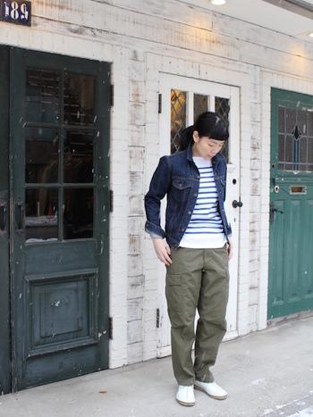 「Gジャン(デニムジャケット)」は、流行問わず長く使えるカジュアルテイストを代表するショートジャケットです。