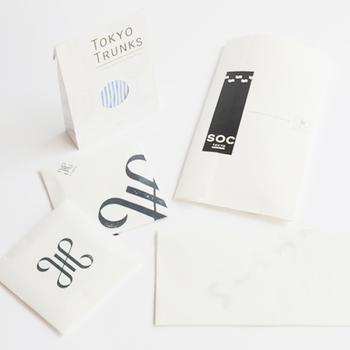 ■オリジナル包装紙(無料) 大きくあしらわれたロゴがクール!お返しなどのちょっとしたギフトにぴったり。