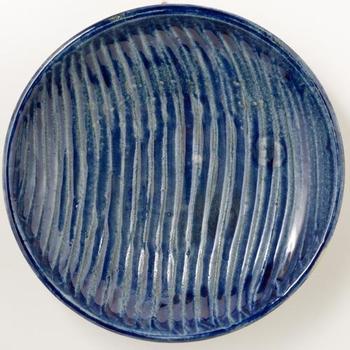 人気の北窯のもの。 おおらかな青と無理のない模様が美しいですね。